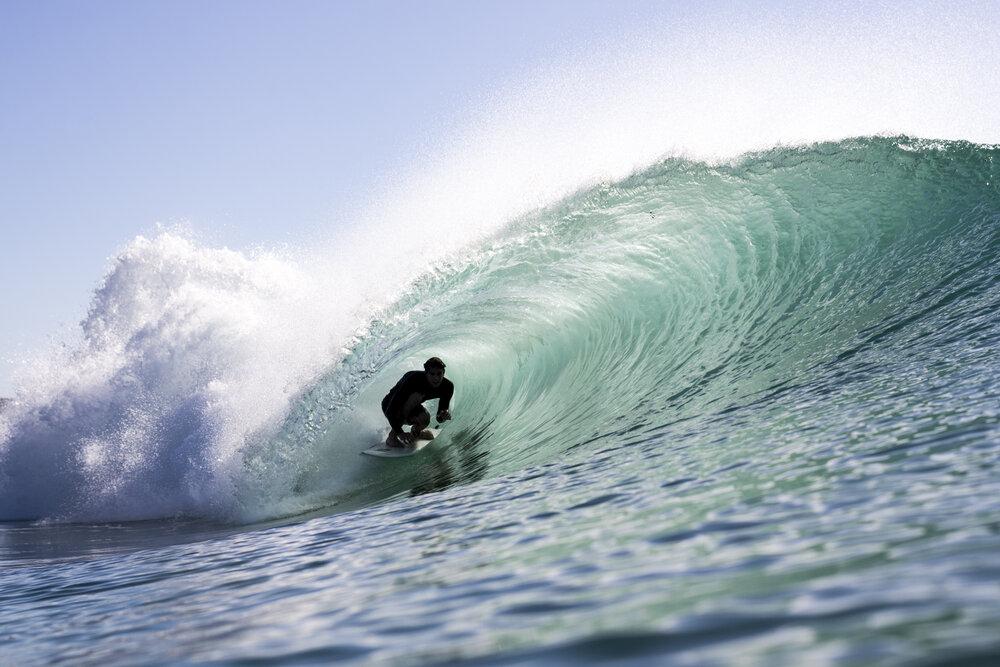 Surf Photography/Thumbnail:    Joshua Tabone